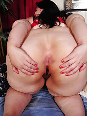 Big tits fatty Becki shows her huge ass in sexy red panties