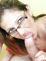 First class blowjob done by an wonderful milf beauty to her lover