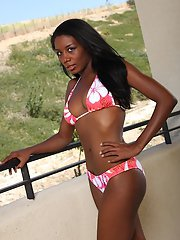 Ebony teen Monica Foster demonstrates her amateur ass in a bikini