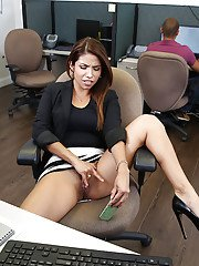 Latina babe Isabella Taylor shows off her amateur cunt in the office