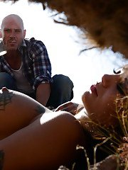 Reality wife Bonnie Rotten has her teen ass fucked with a big cock