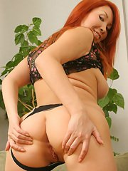 Amateur undressing scene features Asian milf babe in panties Aisha
