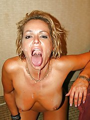 Mature chick with big tits Kelly Leigh dose first class blowjob