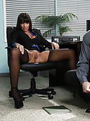 Latina girlfriend with big tits Mercedes Carrera has sex in office