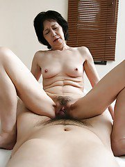 Close up blowjob done by a wonderful Asian milf Michiyo Fukumoto