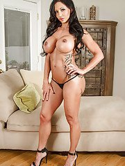 Tattooed glamorous milf Jewels Jade demonstrate her big boobies