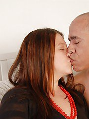 Fatty model with tattoos Velvet get some sperm in her nice puss