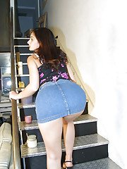 Babe teen with high heels Alaura Eden is masturbating on stairs