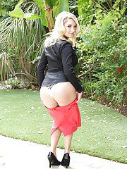 Milf with ideal body Chloe Addison takes off her suite clothes