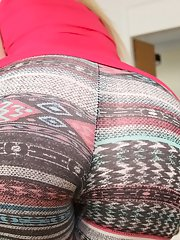 European blonde Anastasia takes off her tight leggings on the cam