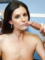 Cougar teacher India Summer is getting drilled in her mouth so nasty