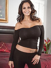 Big-tit brunette Ava Addams demonstrates her stunning naked body