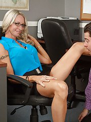 Blonde with big boobies Emma Starr is giving a sweet spicy blowjob