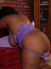 Fatty ebony Elite is banging hard deep in her shaved snatch!