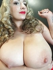 Big-tit blonde September Carrino is demonstrating her amazing tits