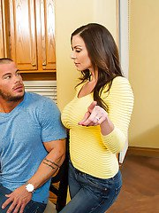 Brunette milf Kendra Lust is showing off her ass-fucking skills
