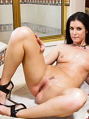 Mom India Summer is banging in the bathroom with hardcore hunk