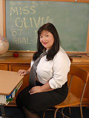 Horny as fuck fat Asian teacher Olivia spreading legs and fingering
