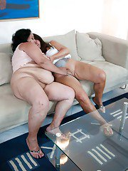 Two amateur fatties Gusti Tschopp and Tinny Rados tongue each other
