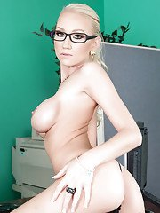 Bitchy babe in glasses Madison Scott displays her sexual fervency