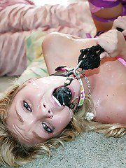 Affectionate teen Jessie Andrews wants to have some BDSM tonight