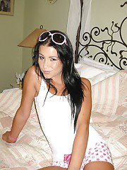 Chic girlfriend in shorts Tanner Mayes loves spreading legs on bed