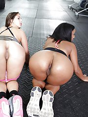 Lesbians Valerie Kay Bianca and Arianna Knight show off their asses
