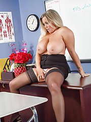 Cum on tits of Milf teacher Amber Lynn Bach leaves her a creamy mess