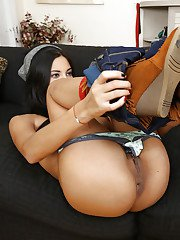 Pulling down her pants young Latina Jade Jantzen revealed her phat ass