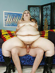 Fat sausage makes SSBBW milf Mistress Monique feel warm inside