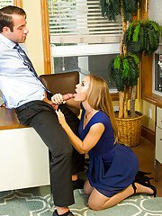 Office bombshell Nicole Aniston seduces coworker by giving blowjob
