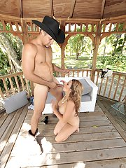 Euro MILF Mia Ryder blows big dick outside and gets jizz on face