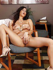 Foxy brunette mom Isis Love has legs to die for and a tight behind