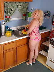 Blonde fatty and her shaved cunt gets freaky with whip cream in kitchen