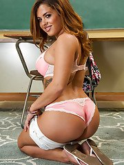 Slutty schoolgirl with glasses Keisha Grey rubbing her clit