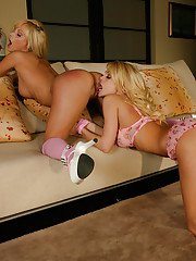 Blonde lesbians Jesse Jane and Jana Cova fingering and licking pussy