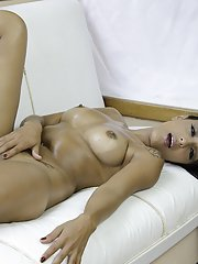 Sultry Latina model Perla Bombom masturbates oiled cunt outdoors by pool