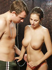 nude-in-shower-blowjobs-video-blonde-beuatful-public-train