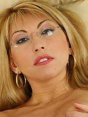 Mature woman in glasses Rozalia finger fucking aged hairy pussy