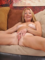 Over 50 MILF Pam Roberts gets naked and bares her older saggy breasts
