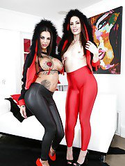 Stunning brunettes Sarah Shevon and Bonnie Rotten posing together