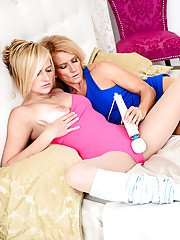 Older lesbian Amanda Verhooks seduces teen chick Kate England for dyke sex