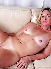 Mature blonde broad Sydney getting naked for afternoon masturbation session