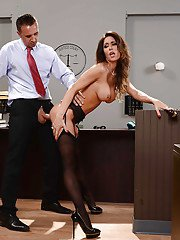 Naughty secretary Jessica Jaymes takes cumshot in mouth fate tit fuck