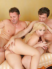 Young blonde chick Emma Heart taking intense double penetration