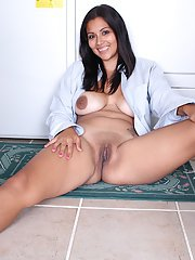 Latina mommy Veronica taking break from laundry to flash hairy pussy