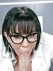Nerdy brunette Latina Veronica Avluv takes cumshot on face from large cock