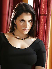 Sexy brunette chick Valentina Nappi flaunting nice all natural tits