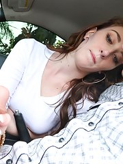 Young teen girl Lilith Addams jerking off her boyfriends cock in car