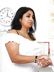Obese Indian woman Alice having her breasts and pussy examined by doctor